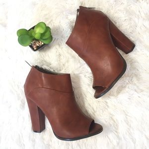 Cognac Ankle Booties Women Boots Shoes 6.5 new